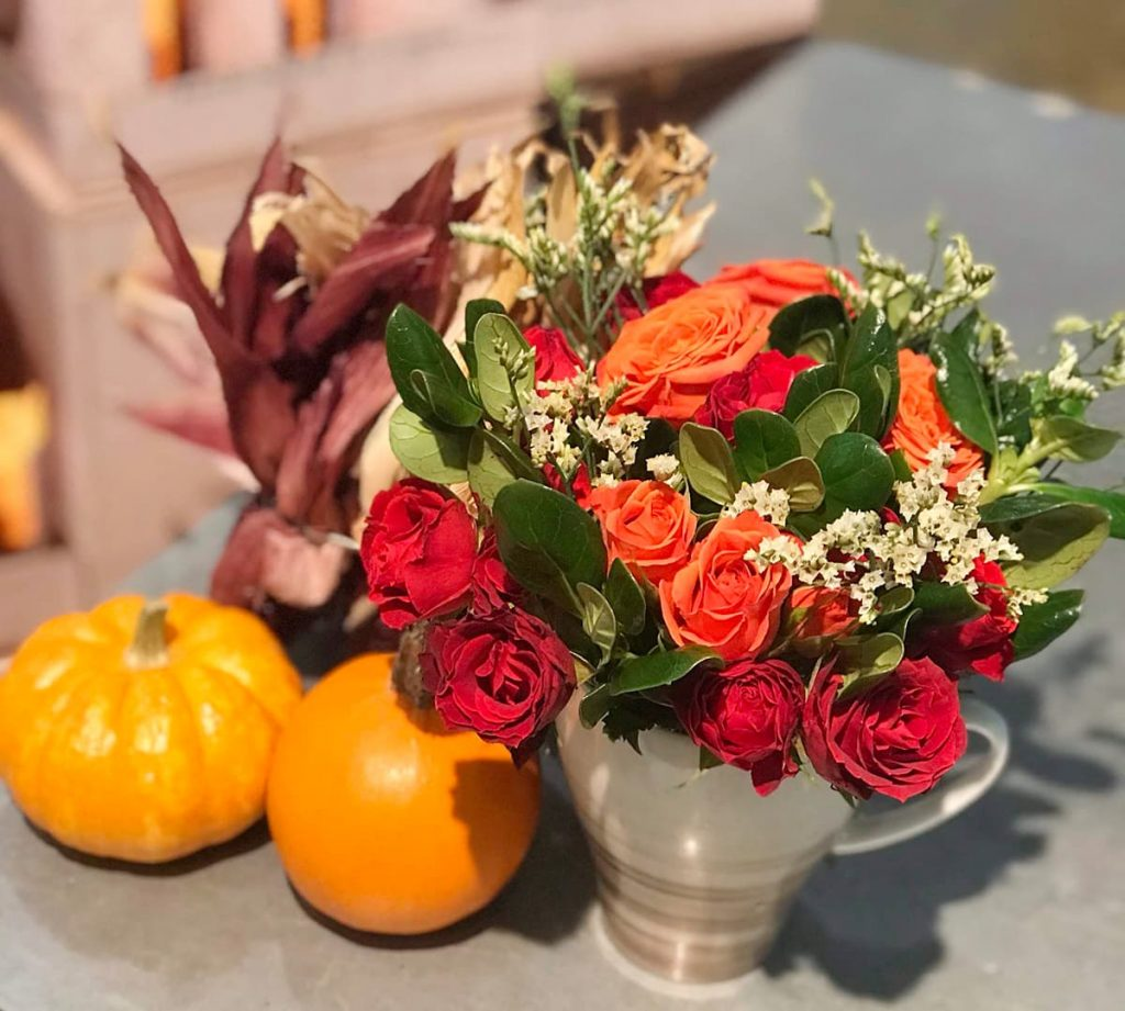 holiday, fall, thanksgiving, centerpiece, rose, spray rose
