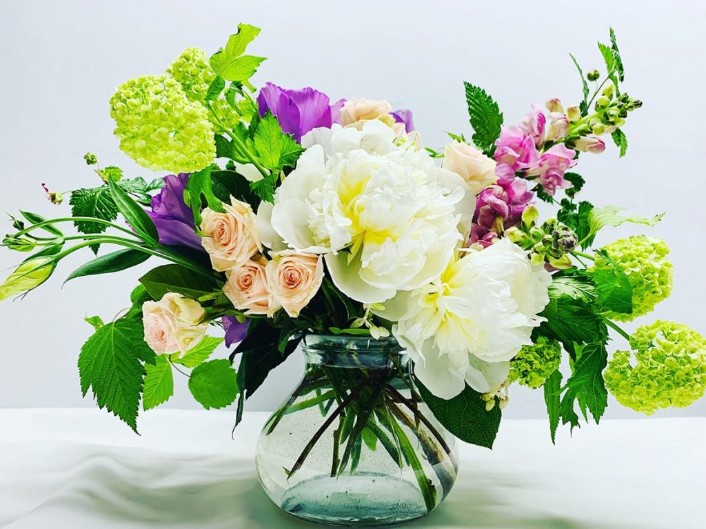 wedding, anniversary, peony, snapdragon, spray rose, lisianthus, viburnum