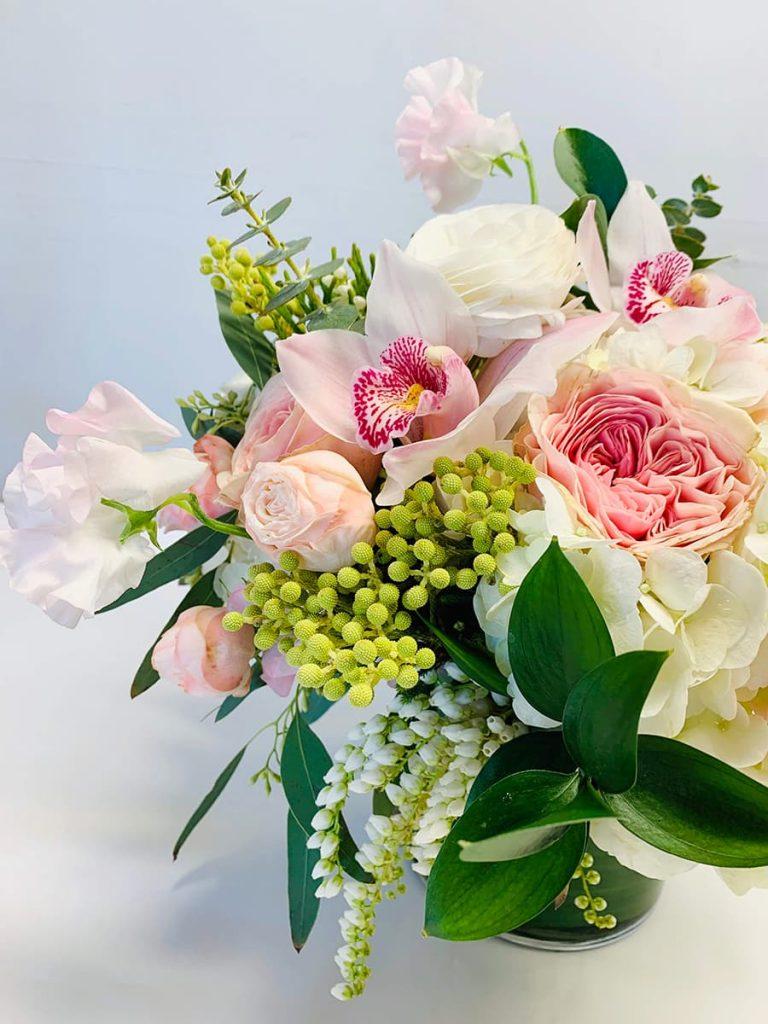 baby, new born, garden rose, rose, orchid, cymbidium, bombastic, ranunculus, sweet pea, pietris, berzillia