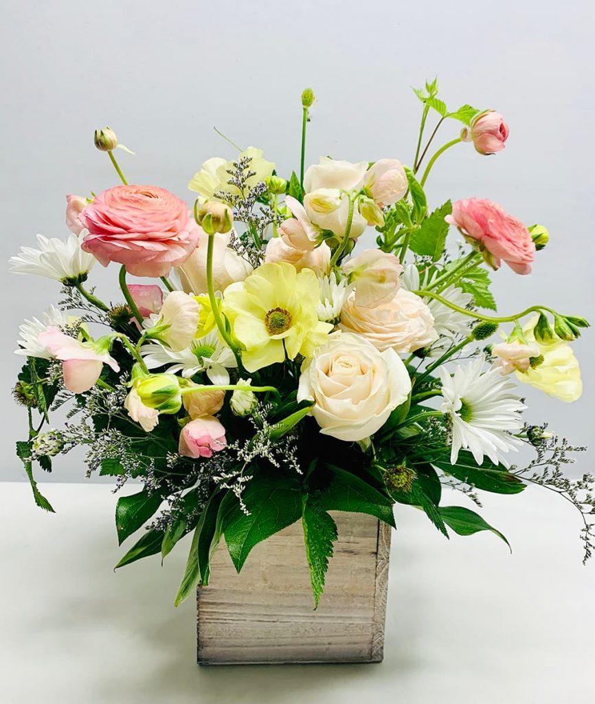 wedding, congrats, congratulations, ranunculus, ranunculus butterfly, bombastic, rose, daisy mum, sweet pea