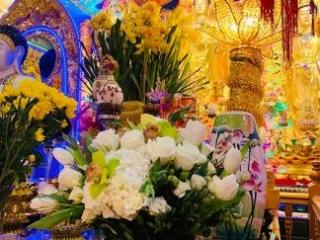 Prayer, bereavement, church, hydrangea, rose, cymbidium, orchid, tulip, spray rose