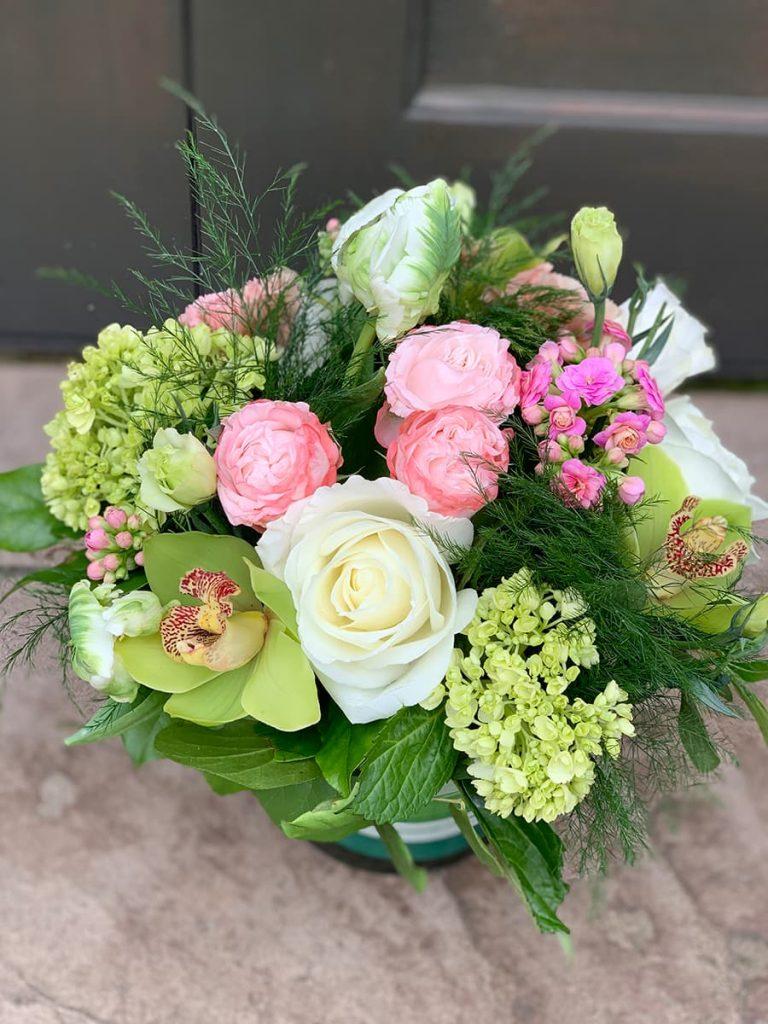 wedding, anniversary, bombastic, mini greens, rose, orchid, cymbidium, tulip, lisianthus, kalanchoe
