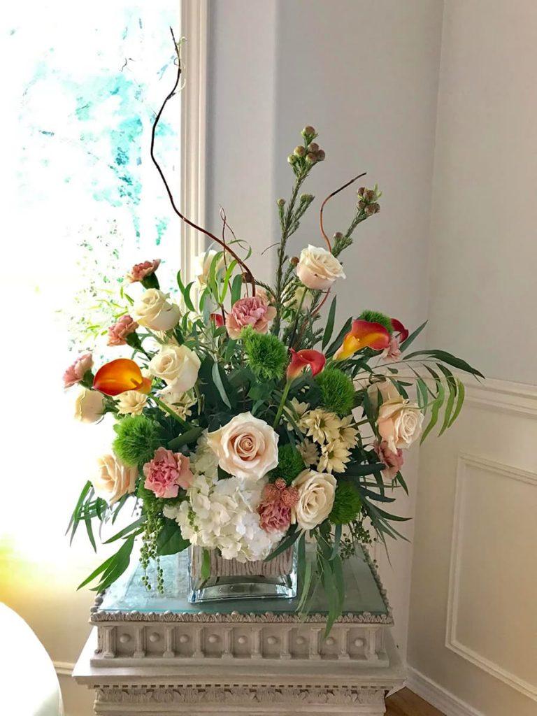 holiday, rose, carnation, hydrangea, mum, calla lily, leucadendron