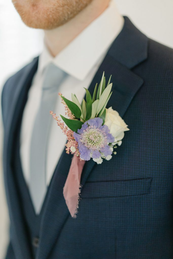 groom, boutonniere