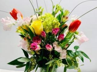 congrats, congratulation, celebrate, rose, spray rose, tulip, sweet peas, alstroemeria, mini greens