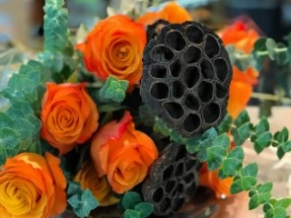 holiday, thanksgiving, centerpiece, bouquet, rose, lotus pod