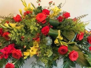 funeral, casket spray, sympathy, bereavement, rose, gladiolus